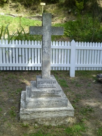 Grave of Henry Phillips (1805-1877)